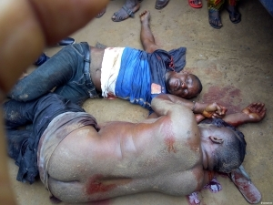 Notorious Robbers Caught In Okota, Lagos (graphic photo)